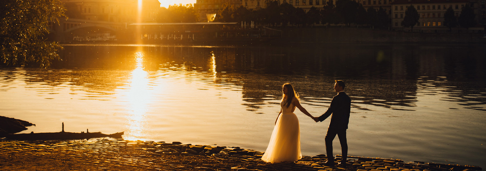 Prague Wedding Photographer – Monica & Bogdan